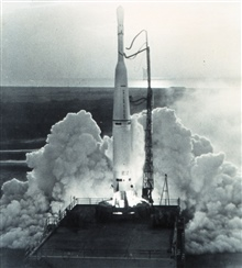 TIROS IV lifting off the pad.  Launched by 3-stage Thor Delta rocket #317 the satellite was equipped with two television camerasfor photographing cloud cover and with infrared sensors to makemeasurements of the earth's surface, atmosphere, and cloud