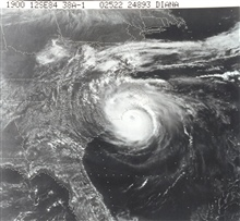 TIROS-N view of Hurricane Diana churning off North Carolina coast.  The stormhad mercifully weakened to a Category II status at this time with 95 knotmaximum sustained winds.