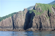 Columnar basalt at Dakavak Bay