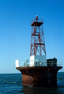 Elbow of Cross Ledge automated light in Delaware Bay.